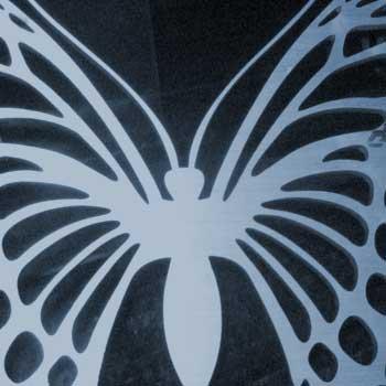 rezanie-vodnym-lucom-tvar-motyla