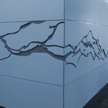 stena-vodnym-lucom